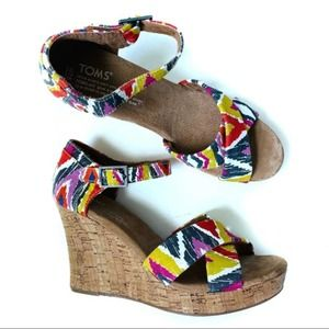 Toms Sienna Wedge Sandals Ikat Print Size 7.5